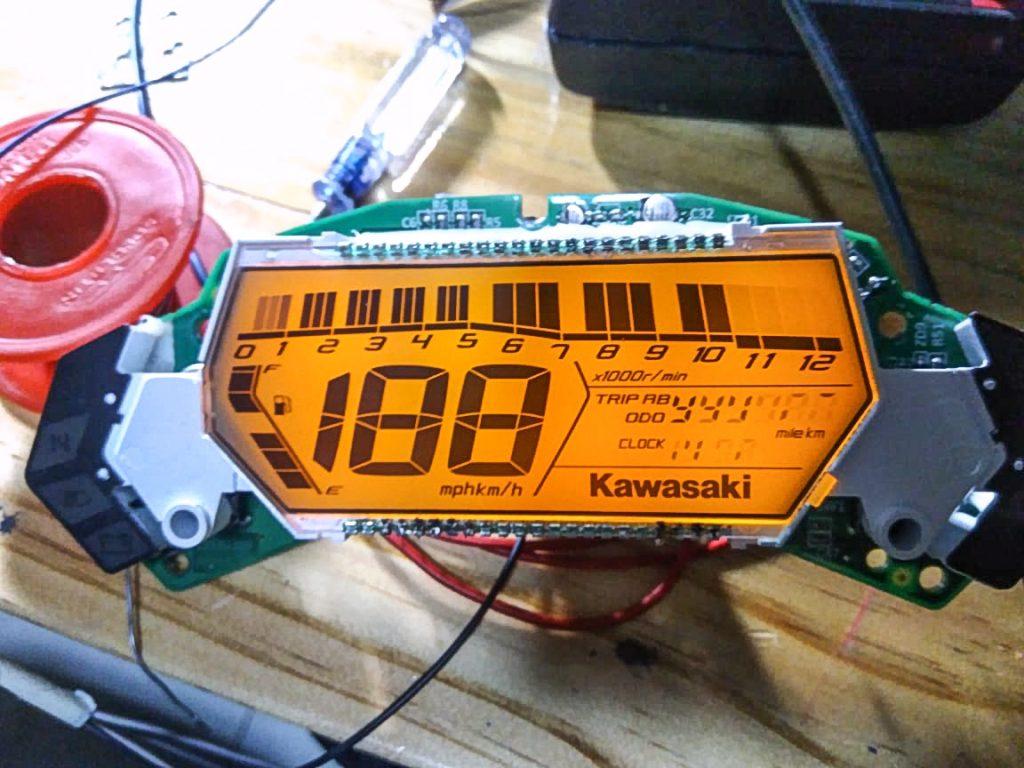 Cara Memperbaiki Speedometer Digital Motor
